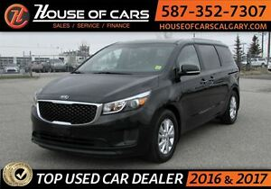 2017 Kia Sedona LX  Back up Camera / Bluetooth
