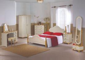 Cream/Pine Bedroom Set