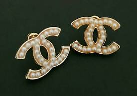 Gorgeous Chanel Gold Pearl stud Earrings Brand New