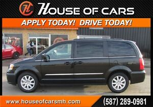 2015 Chrysler Town & Country Touring *$196 Bi Weekly with $0 Dow