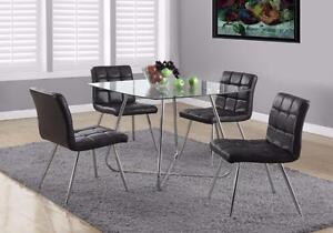 MEUBEL.CA   $499 - TABLE VERRE ET CHAISES SIMILI-CUIR NOIR
