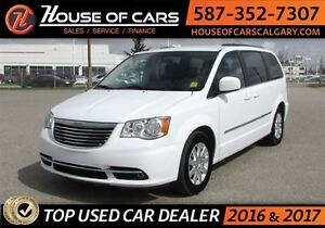 2015 Chrysler Town & Country Touring / Bacup Camera / Bluetooth