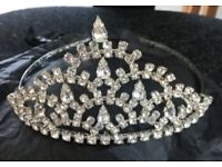 TIARA PERFECT FOR WEDDING/PROM **MUST GO, GRAB A BARGAIN**