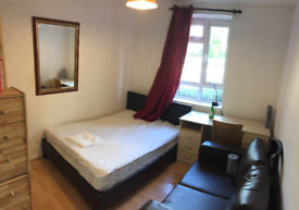 Cosy Double room by Fulham Road, 5min walk to Station, Market, bank shops and Reataurant