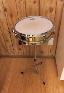 Pearl Piccolo Brass Snare Drum in Excellent Condition