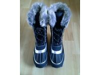 Ladies black snow boots size 3 marks and spencer brand. Brand new
