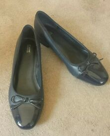 Classic collection M&S court shoe