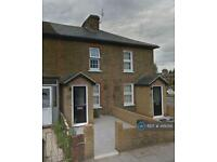 2 bedroom house in Tanners Lane, Ilford, IG6 (2 bed)