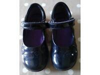Clarks black patent shoes size 9