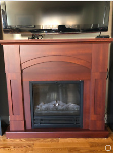 ELECTRIC FIREPLACE/MANTLE 200$ OBO - MOVING SALE