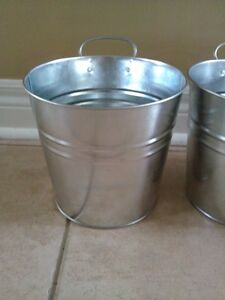 Set of 2 metal planter pot hanging decor indoor/outdoor use NEW London Ontario image 3