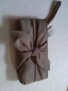 Women's grey wristlet clutch bow front handbag New with tags London Ontario image 6
