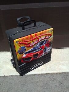 Hotwheels car storage suitcase carrying case system container London Ontario image 5