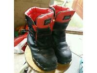 Chainsaw boots six 8
