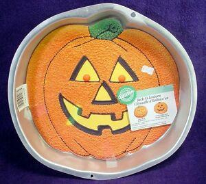 The 11 Best Halloween Bakeware Essentials | Page 3 of 3 ... |Halloween Baking Pans