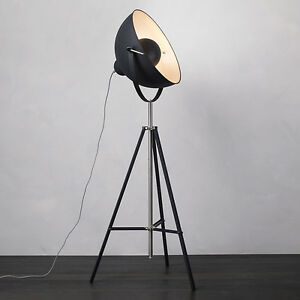 Industrial parabolic tripod hollywood spotlight floor lamp for Black tripod spotlight floor lamp gold inner