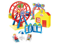 Peppa Pig End Of The Pier Playset With 2 Figures And Accessories NEW