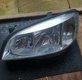 Vauxhall zafira front light