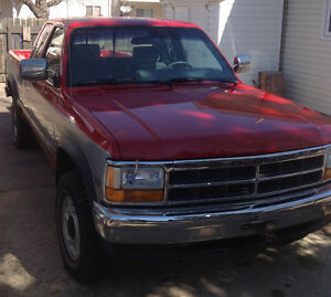 1993 Dodge Dakota Pickup Truck  75,000 original kms excellent co