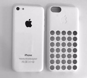 iPhone 5c white 16GB fido 10/10 condition + Case