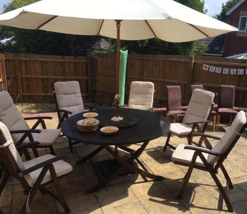 Teak garden table, 6 chairs, cushions and parasol | in ...