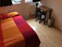 Comfortable room for one person only in Limehouse