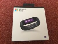 Used microsoft band good condition comes in original box with charger.