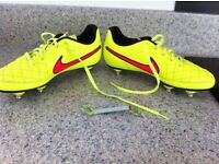 Nike Tiempo size 4 mens football boots (immaculate condition)