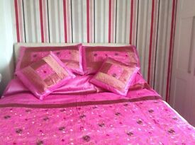 Bed cover and 2 pillow shams and 2 small cushion covers