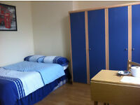 Large double rooms for let in great sheared house perfect for international moving to London!!