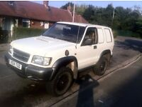 Isuzu Trooper Td,, Modified,, Lifted,, Rear Dog Caged,, All Terrain Tyres,, Bargain,,