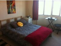 Large Double Bedroom for Rent in Motspur Park near Wimbledon / New Malden