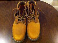 Size 11M Timberland boots