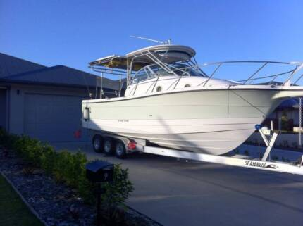 2902 Trophy Walk around Twin 225 hp four strokes 31 ft Cannonvale Whitsundays Area Preview