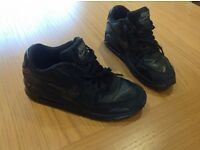 Boys Nike Air Max Trainers - Size 4- In Good Condition - Worn Handful of times