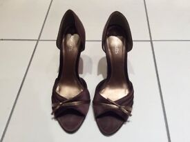 Brown satin heels with gold trim, size 5 - ideal for festive party nights!