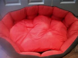 Brand new unused outdoor dog bed - suitable for large breeds