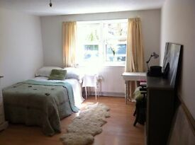 TWIN or DOUBLE room in BRIGHTON CITY CENTRE - £185 pw ALL BILLS INCL. OK COUPLES (Waitrose Area)