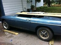 71/72 MGB restored shell with parts car