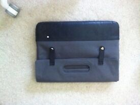 Laptop case / sleeve / bag with handles in black and grey Unused