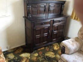 reproduction dresser dar wood very good condition