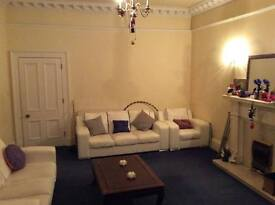 Massive room in beautiful Leith flat (Sorry NO Students, Couples or Pets)