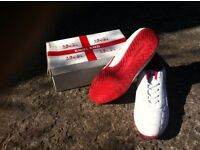 WHITE ENGLAND TRAINERS SIZE 11 IN BOX BOX
