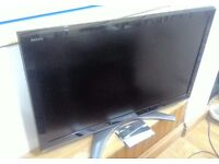Toshiba 47 inch Tv buit-in free view for sale hdmi pc vga scart