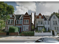 Large 4 Bedroom house with massive living room and private garden, in the heart of Muswell Hill !