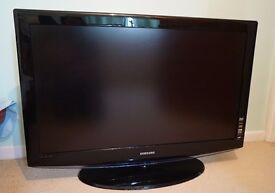"""Samsung 40"""" LCD TV - widescreen"""