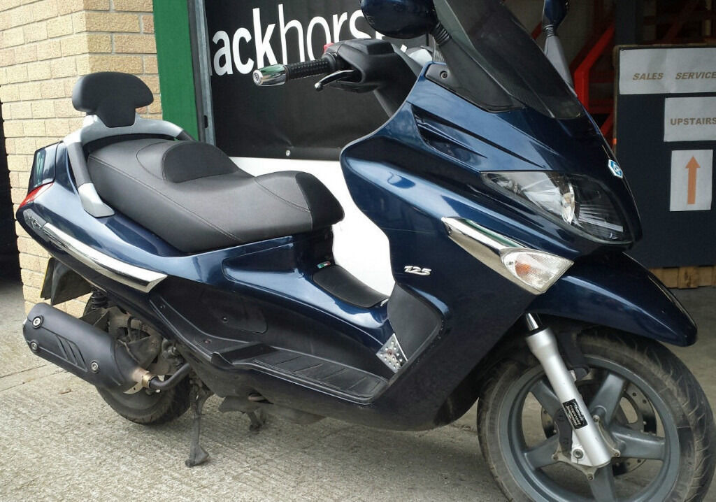 piaggio xevo sport 125 2011 blue in ealing london gumtree. Black Bedroom Furniture Sets. Home Design Ideas