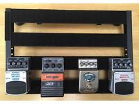 Pedalboard + Power Supply + 4 Pedals