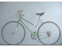Gorgeous Ladies Dutch Style 7 speed bike, Serviced with new tyres