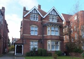 Large 1bed Flat West End Folkestone - well maintained, period mansion - close to sea **No Fees**